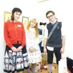Jeanne, Kari miaki et François à l'exposition de Miaki