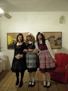 Marybell, Korrigan et Nella au vernissage à l'Issue